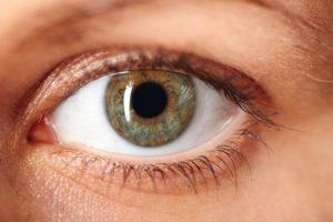eliminación de manchas oculares